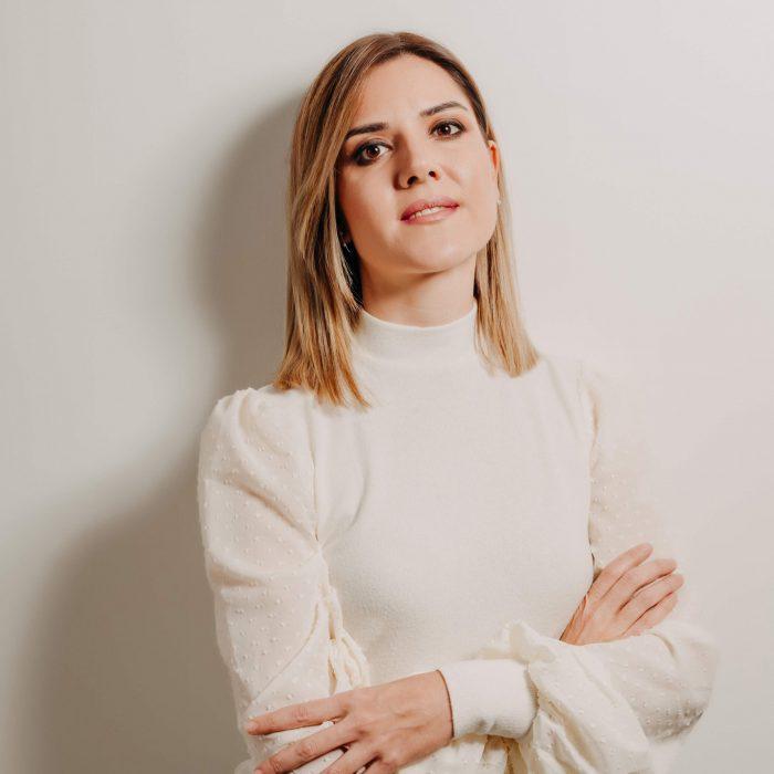 Carmen Quesada, estilista, maquilladora y micropigmentadora en Jaén